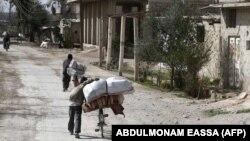 Шығыс Ғутадағы босқындар. Сирия, 1 наурыз 2018 жыл