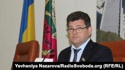 Володимир Буряк виклик на допит наразі не коментував