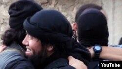 """Скриншот выложенного в Сети видео о выехавших на """"джихад"""" в Сирию казахстанцах."""