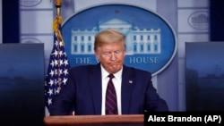 ԱՄՆ նախագահի ճեպազրույցը կորոնավիրուսի հարցով, Վաշինգտոն, 2-ը ապրիլի, 2020թ.