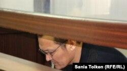 Шариполла Сайфуллин Атырау қалалық сотында. 20 сәуір 2011 жыл.