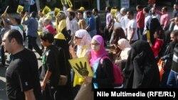 موالون لجماعة الأخوان في مسيرة بمدينة نصر