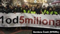 """Sa protesta """"Stop krvavim košuljama"""", Beograd"""
