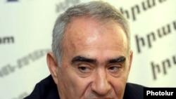 Руководящий член правящей Республиканской партии Армении Галуст Саакян