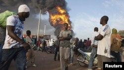 Илустрација: Пожар на пазар во Бамако на 12 јануари 2013 година.