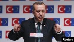 Реджеп Тайїп Ердоган виступає на конференції ЄС – Туреччина у Стамбулі, 7 червня 2013 року