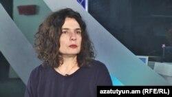 Арсине Ханджян дает интервью Радио Азатутюн, Ереван, 6 февраля 2016 г.