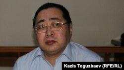 Гражданский активист Ермек Нарымбаев в суде. Алматы, 15 января 2016 года.