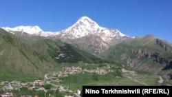 Казбек - третья вершина Грузии, после гор Шхара и Джанга