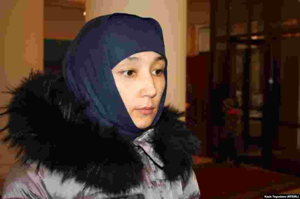 27 января суд отказал в удовлетворении иска Шынары Бисенбаевой к силовым ведомствам за гибель ее сына во время спецоперации вблизи Алматы. Суд посчитал действия силовых органов во время спецоперации законными. В это же деньапелляционная коллегия Алматинского городского суда отказала в удовлетворении жалобы ее мужа, Саяна Хайрова, ранее приговоренного к 11 годам тюремного заключения по обвинению в терроризме.