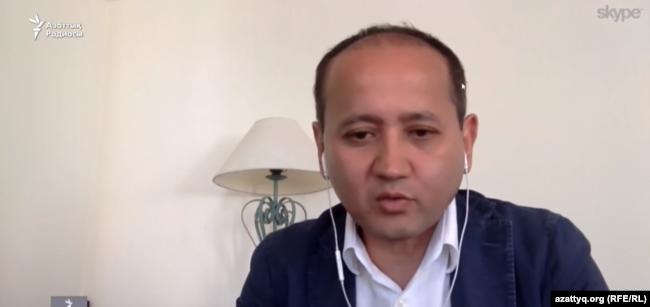Казахский оппозиционный политик Мухтар Аблязов дает интервью Азаттыку по Skype'у. 25 мая 2017 года.