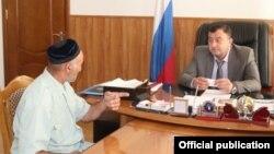 Глава Минсельхоза Ингушетии Магамед Гагиев принимает жителей (архивное фото)
