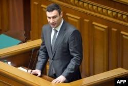 Vitali Klitschko parlamentdə çıxış edir, 4 fevral 2014