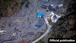 Урон, нанесенный сошедшим селем, пока не подсчитан. Последствия предыдущего стихийного бедствия устранялись несколько месяцев. На этот раз работы намного больше: очередной оползень нанес более масштабный ущерб
