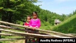 Astara-Sekaşon kəndinin balaca sakinləri