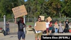Mișcarea Occupy Guguță protestând de Ziua Independenței. 27 august 2019
