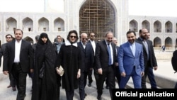 Ermənistanın Baş naziri Nikol Pashinian fevralın 28-də İrana səfəri çərçivəsində İsfahanda olub