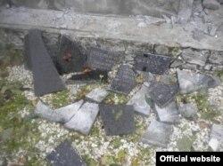 Зруйнований пам'ятник на українському цвинтарі. Польща, жовтень 2016 року