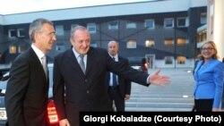 Генсек НАТО в течение дня успел провести ряд встреч с первыми лицами страны, министрами и представителями законодательной власти