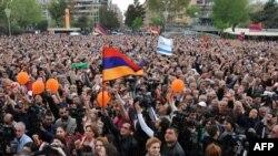Raffi Hovannisian tərəfdarlarının yürüşü 9 aprel