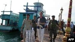 Cергей Полонский после задержания полицией в Камбодже