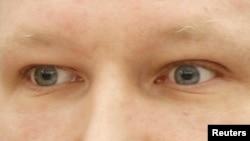 Глаза массового убийцы Андерса Брейвика