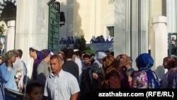 Мечеть в центре Ашхабада