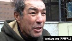 Үйсіз-күйсіз Алламберген Жолдасбаев. Алматы, 18 қазан 2012 жыл.
