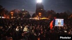 Еревандағы оппозицияның қарсылық акциясы. Армения, 1 желтоқсан 2015 жыл.