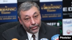 Armenia -- Opposition Alexander Arzumanian at a press conference in Yerevan, 28Mar2013