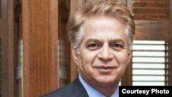 فرخ زندی، اقتصاددان و استاد اقتصاد دانشگاه یورک کانادا