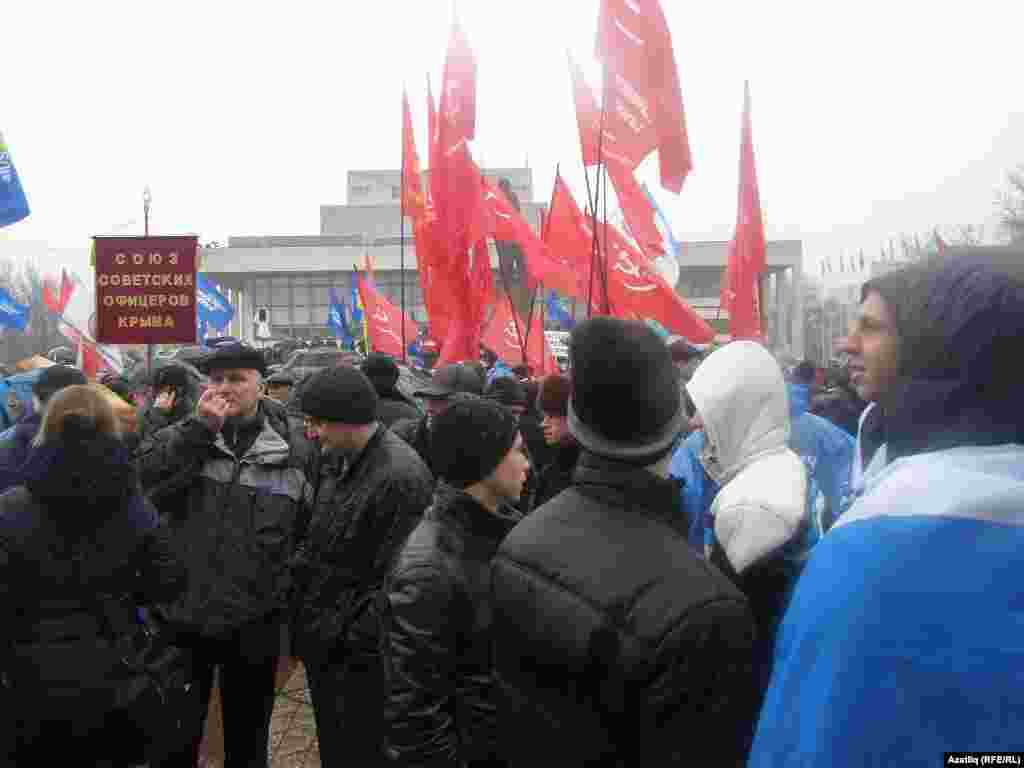 "Акмәчәттә""Русское единство"" фиркасе оештырган митинг"