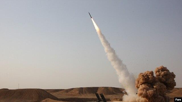 آزمایش موشک بالیستیک در ایران؛ این تصویر آرشیوی است