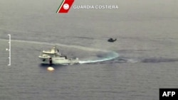 Операция в Средиземном море по спасению тонущих нелегалов из Северной Африки. 19 апреля 2015