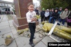 Снос памятника Ленину в Зуе