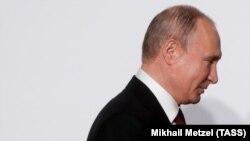 10 серпня Путін без узгодження з владою України прибув до анексованого Росією Криму