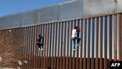 Ցանկապատ ԱՄՆ-ի և Մեքսիկայի սահմանին, արխիվ