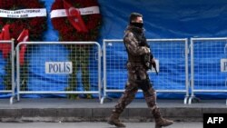 Патруль поліції на місці нападу, Стамбул, 4 січня 2017 року