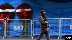 Поліцейський на місці нападу, Стамбул, 4 січня 2017 року