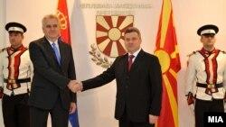 Средба на претседателите на Македонија и Србија Ѓорге Иванов и Томислав Николиќ во Скопје во 2012 година.