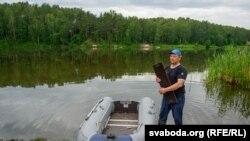 Рыбак Юры на рацэ Котры каля вёскі Сіўкава
