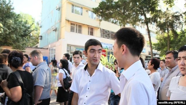 Applicants to the Tashkent State Institute of Chemical Technology wait in August 2011 to take their early morning entrance exams.