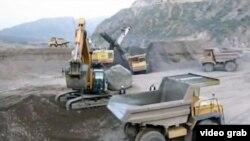 Строительство Рогунской плотины на реке Вахш. 13 октября 2011 года (иллюстративное фото).