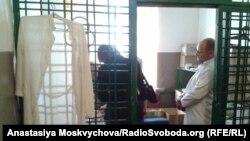 Монітори НПМ у кабінеті фармацевта Роменської колонії. Архівне фото