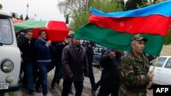 Sahrana azerbejdžanskog vojnika u gradu Terter u delu Nagorno-Karabaha koji kontroliše Azerbejdžan, 2. aprila