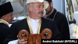 В Южной Осетии все чаще можно услышать суждения о необходимости следовать национальной традиции, соблюдать Ӕгъдау: об этом говорят и президент на встречах с молодежью, и общественники, и местная интеллигенция