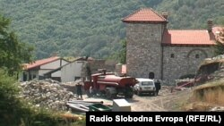 Дел од огнената стихија се движи кон манастирот Зрзе