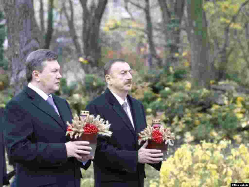 Президенти України та Азербайджану, Віктор Янукович і Ільгам Алієв, Київ, 28 жовтня.Photo from official website