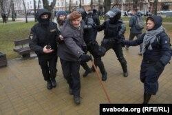 Менск, 25 сакавіка 2017 году, разгон акцыі на Дзень Волі