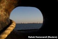 U slučaju oružanog sukoba, Iran bi mogao da blokira Ormudski moreuz (na fotografiji), što bi izazvalo potres na globalnim tržištima energenata